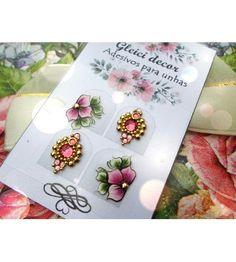 Boa noite  !!! Achei linda e vcs gostaram? Sim ou não ? Yes or no? . . . . . . . . #arte #nailart #nailpolish #esmalte #love #nailsdesigner #PEDRARIAS #unhasdecoradas #gleicidecor #instaunhas #rosa #joias #pink #love #flores #unhasdasemana #feitoamão #nailart #adesivoartesanal
