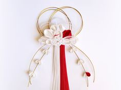 Japanese New Year, Japanese Paper, Diy And Crafts, Arts And Crafts, Paper Crafts, Asian Crafts, Japanese Wrapping, Kanzashi Flowers, Corsages