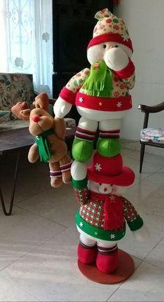 Trabajos navideños Vol.30 Christmas Room, Christmas Sewing, Christmas Holidays, Inflatable Christmas Decorations, Snowman Decorations, Christmas Crafts, Christmas Ornaments, Holiday Decor, Snow Men