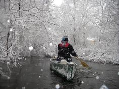 Winter kayaking in Michigan - What could be more beautiful than paddling the morning right after a major snowstorm ?