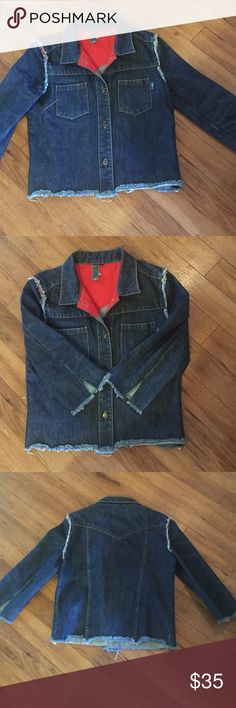 """BOHO CROP 3/4 SLEEVE DENIM 💞HP💞 Coolest jean jacket! Size medium; fits small. Perfect condition. Pairs well with anything! Adorn with vintage brooches from my closet! Measures: sleeves 18"""" from shoulder; 20"""" length; 18"""" lying flat underarm to underarm. Fringed seams (throwback to '70's)! Brass buttons. Pictures un-enhanced. Any questions please ask! Remember to bundle for additional savings! Tx for browsing, marian 💞 HP💞 by @yorimoto58 Thank you 😘😘😘 William B. Jackets & Coats Jean…"""