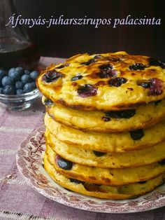 Hankka: Áfonyás-juharszirupos palacsinta Waffles, Pancakes, Breakfast, Sweet, Food, Morning Coffee, Candy, Essen, Waffle