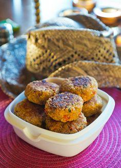 Vegetariska biffar med quinoa och linser Lchf, I Foods, Quinoa, Vegetarian Recipes, Muffin, Paleo, Veggies, Vegan, Cookies