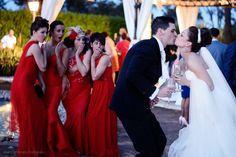 #Beso de los #novios en una de nuestras #bodas en #Sevilla. #Momentos #Love inolvidables