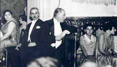 '' Büyük Atatürk'ümüzün Manevi Kızı Nebile'nin evlenmesi nedeniyle Ankara Palas'ta yapılan baloyu şereflendirdiği fotoğraflar...(17 Ocak 1929) '' Bütün teşekkürler bizlere bu fotoğrafları ve bilgileri aktaran değerli Onur OKUR beyefendiye ... *Ben bu albüm ve arşivlerin kendimde de bulunması ve daha seri bir halde yayılması için ayrıca yapmış bulunmaktayım !!! *Burak ORAL ''