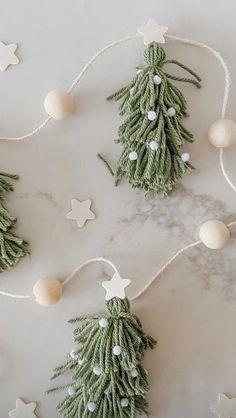 Christmas Makes, Merry Little Christmas, Rustic Christmas, Winter Christmas, Handmade Christmas, Christmas Ornaments, Natural Christmas, All Things Christmas, Diy Garland