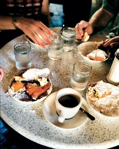 Cafe du Monde, New Orleans French Quarter: beignets and chicory coffee - yum!