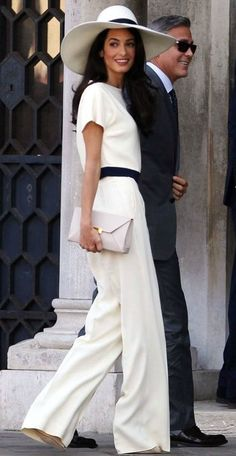 Gorgeous outfit!--image via dailymail.co.uk