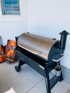 Best Kitchen Tools by popular Utah lifestyle blog, A Slice of Style: image of a Traeger grill. Artisan Bread Recipes, Keep Food Warm, How To Make Smoothies, Best Side Dishes, Delicious Dinner Recipes, Eating Raw, Updated Kitchen, Kitchen Tools, Cool Kitchens