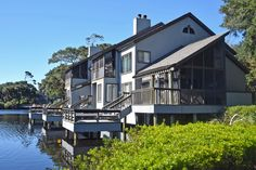 Parkside Villas, homes on the water