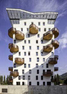 Quai de la Graille by r2k Architects