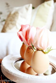 Craftberry Bush: A touch of Easter....egg flower vase