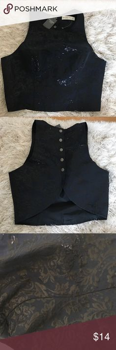 Abercrombie & Fitch Navy Crop top Small Abercrombie & Fitch Navy Crop top. Really pretty open back with buttons. New with tags !!! Size small Abercrombie & Fitch Tops Crop Tops