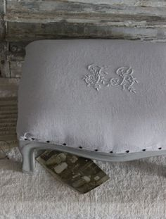 Image of Petit footstool Recycled Furniture, Painted Furniture, Diy Furniture, Black Lace Table, Rideaux Shabby Chic, Boutique, Chabby Chic, Lace Table Runners, Fabric Sofa