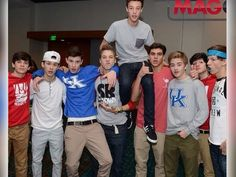 Find images and videos about shawn mendes, magcon and cameron dallas on We Heart It - the app to get lost in what you love. Cameron Dallas, Justin Bieber, Selena Gomez, Drake, Macon Boys, Magcon Imagines, Vine Boys, Magcon Family, Carter Reynolds