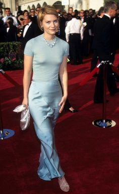 Claire Danes wears Cerruti by Narciso Rodriguez, 1997 Academy Awards Claire Danes, Narciso Rodriguez, Sarah Jessica Parker, Celebs, Actresses, Academy Awards, Formal, How To Wear, Fashion Design