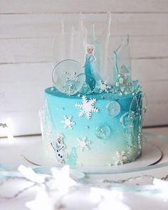 Elsa Birthday Cake, Frozen Themed Birthday Cake, Themed Cakes, 3rd Birthday, Frozen Theme Cake, Geek Birthday, Carnival Birthday, Birthday Parties, Bolo Frozen