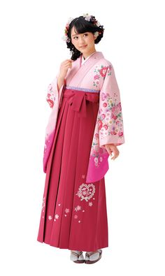 卒業袴 | マイム Kimono Fashion, Ethnic Fashion, Asian Fashion, Girl Fashion, Fashion Outfits, Japanese Uniform, Japanese Outfits, Yukata Kimono, Kimono Dress