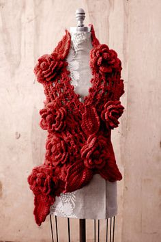 This is gorgeous....It's a free pattern from Lion Brand.  Maybe I'll try to make it someday!