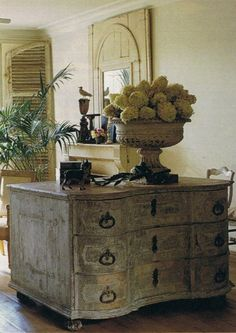 Rustic Luxe, would love for kitchen island! French Decor, French Country Decorating, French Chic, French Style, Classic Decor, Painted Furniture, Diy Furniture, Antique Furniture, Outdoor Furniture