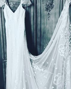 "Alice Temperley ""Peri"" wedding gown, brand new now in at Gillian Million size 12 £1995.  #gillianmillion #wedding #london  #moments #weddinginspiration #weddingstyling #weddingday #weddingblog #weddingplanner #photoshoot #fashion #justengaged #ido #bride #instawow #instawedding #realbride #bridetobe #love #alicetemperley #temperleylondon #weddingdress"
