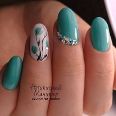 Try some of these designs and give your nails a quick makeover, gallery of unique nail art designs for any season. The best images and creative ideas for your nails. Teal Nails, Us Nails, Nails Turquoise, Nails 2016, Blue Nail, Spring Nails, Summer Nails, Autumn Nails, Flower Nail Art