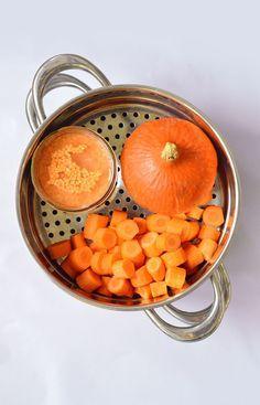 Pumpkin Soup and Coral Lentils with Coconut Milk Sweet & Sour Autumn Winter Recipes, Winter Food, Soup Recipes, Vegetarian Recipes, Cooking Recipes, Plats Healthy, Happy Foods, Pumpkin Soup, Vegan Soup