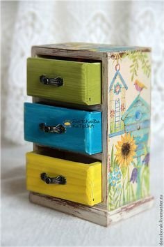 Nice: paint in similar colors you decoupage has! Decoupage Furniture, Decoupage Box, Decoupage Vintage, Painted Furniture, Painted Boxes, Wooden Boxes, Wood Crafts, Diy And Crafts, Altered Boxes