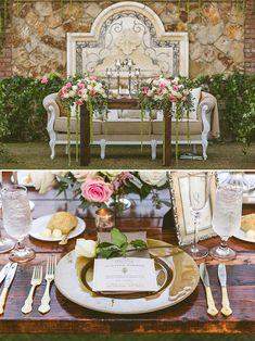 rose covered sweetheart table @weddingchicks
