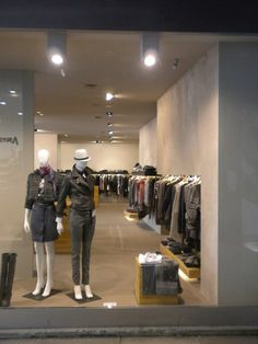 Architettura di interni dei negozi xetra, abbigliamento femminile