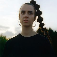 Фото MØ — Photo by Laura Coulson