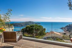 Like new and with a great view - http://www.aiximmo.ch/property/like-new-and-with-a-great-view/- Overlooking the sea and Cap Ferrat, beautiful modern villa of 250 sqm, with adjoining land , about 1100 sqm, with a swimming pool. Completely renovated and in perfect condition.This villa is composed as following :Upper level: Living room, dining room opening onto a terrace with sea view, fitted kitchen, bedroom,