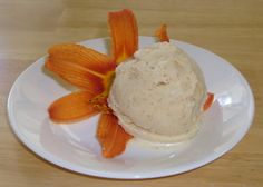 Happier Than A Pig In Mud: Daylily Ice Cream