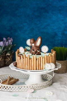 No sabéis la lata que me ha dado el conejo que decora mi mona de pascua. Si seguís las novedades del blog a través de Facebook , ya sa...