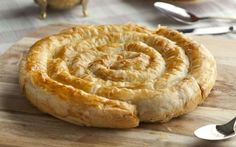 Bol haşhaşlı, yağlı, ağırlıklı olarak Afyon yöresinde yapılan mercimekli yanı sıra farklı çeşitleri de bulunan bir hamur işi bükme tarifi.