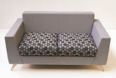 @pulseseating SYNERGY : Two seater sofa in two tone fabric and Honeycomb / Synergy #breakout #reception #office