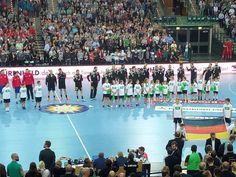 Handball WM 2019 Deutschland Dänemark: Deutschlands bad boys mit Bundestrainer Christian Prokop gewannen nach der Europameisterschaft das erste Testspiel in Vorbereitung auf die Weltmeisterschaft gegen eine neuformierte Auswahl von Serbien klar mit 26:19 Toren vor 5.700 Zuschauern in der Arena Leipzig.