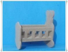 Miniatura feita em mdf de 3mm e 6mm, utilizado para decoração de cenarios ou lembrancinha de maternidade.Ótimo acabamento, feito manualmente-artesanal. R$ 4,20