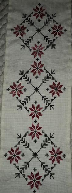 Seccade Modelleri - #Modelleri #Seccade - #seccadeler #seccade  #kabe #namaz  #seccade #modelleri #trend #muslim #muslüman Cross Stitch Cushion, Cross Stitch Rose, Cross Stitch Flowers, Pattern Art, Pattern Design, Hand Embroidery Design Patterns, Chicken Scratch Embroidery, Palestinian Embroidery, Ribbon Crafts