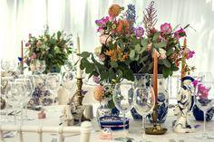 Atelier Dual English Wedding Blue Vases Blue Vases, Wedding Blue, Glass Vase, English, Table Decorations, Furniture, Design, Home Decor, Atelier