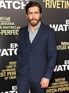 Jake Gyllenhaal attends the premiere of 'End of Watch' on September 17, 2012 in Los Angeles, CA.