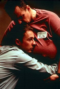 David Fincher's masterpiece Fight Club got released on Blu-ray today. And in the spirit of Fight Club, Fincher created a special gag for the Anniversary Blu-ray edition. David Fincher, Fight Club 1999, Fight Club Rules, Eion Bailey, Movies And Series, Movies And Tv Shows, Brad Pitt, Marla Singer, Tyler Durden
