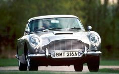 Aston Martin DB5. You can download this image in resolution 1920x1440 having visited our website. Вы можете скачать данное изображение в разрешении 1920x1440 c нашего сайта.