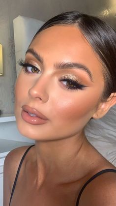 Neutral Makeup, Nude Makeup, Flawless Makeup, Gorgeous Makeup, Pretty Makeup, Skin Makeup, Eyeshadow Makeup, Sultry Makeup, 90s Makeup