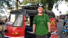 Øystein Bache og Rune Gokstad har vært på tur, og denne gangen kjører de India på tvers i en autorickshaw. Dårlige veier og en fremmedartet kjørekultur er bare to av utfordringene de møter på starten av turen. Sesong 2 (1:4) Dares, India, Fashion, Moda, Fashion Styles, Fashion Illustrations, Indian