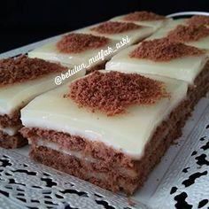 – Pratik yemekler – Las recetas más prácticas y fáciles Dessert Bars, Dessert Recipes, Biscuit Cake, Turkish Recipes, Ethnic Recipes, Iftar, Yummy Cakes, Amazing Cakes, Sweet Recipes