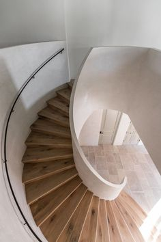 The stairs in this Spanish villa with interior design by Leigh Herzig are solid white oak that Herzig had carefully matched to the wood flooring. Come see more Rustic Spanish Villa Interior Design Inspiration! Spiral Staircase, Staircase Design, Winding Staircase, Dream Home Design, House Design, Oak Stairs, Tadelakt, Interior Stairs, Diy Home