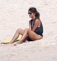 Former couple Halle Berry and Olivier Martinez enjoyed a day on the beach with their son, Maceo, and Halle's daughter, Nahla Aubry, in Mexico on Tuesday. Mexico Vacation, Mexico Travel, Helly Berry, Halle Berry Olivier Martinez, Halle Berry Hot, Black Actresses, Romantic Vacations, Black Swimsuit, Beach Day