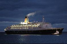 Cunard Ships, Rms Queen Elizabeth, Uss Lexington, Nautical Art, Cruise Ships, Life Is An Adventure, Work Travel, Titanic, Yachts