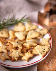 Yrttiset suolakeksit | Kokit ja Potit -ruokablogi Sandwich Cake, Sandwiches, Cooking Time, Potato Salad, Bakery, Recipies, Stuffed Mushrooms, Food And Drink, Biscuits